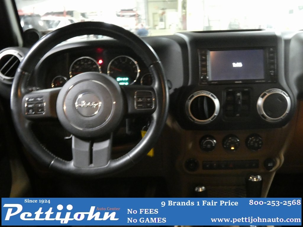 Pre-Owned 2012 Jeep Wrangler Unlimited Rubicon
